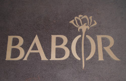 logo babor letters